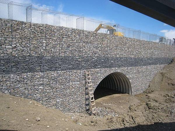 Gabion Wall Gives Retaining Wall In River Embankment And